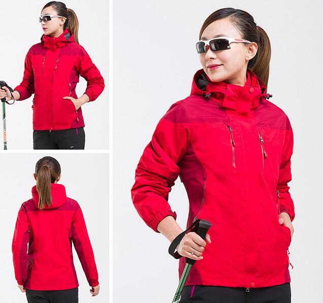 红色三合一冲锋衣